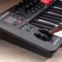 M-Audio OXYGEN25V 25-Key USB MIDI Performance Keyboard Controller